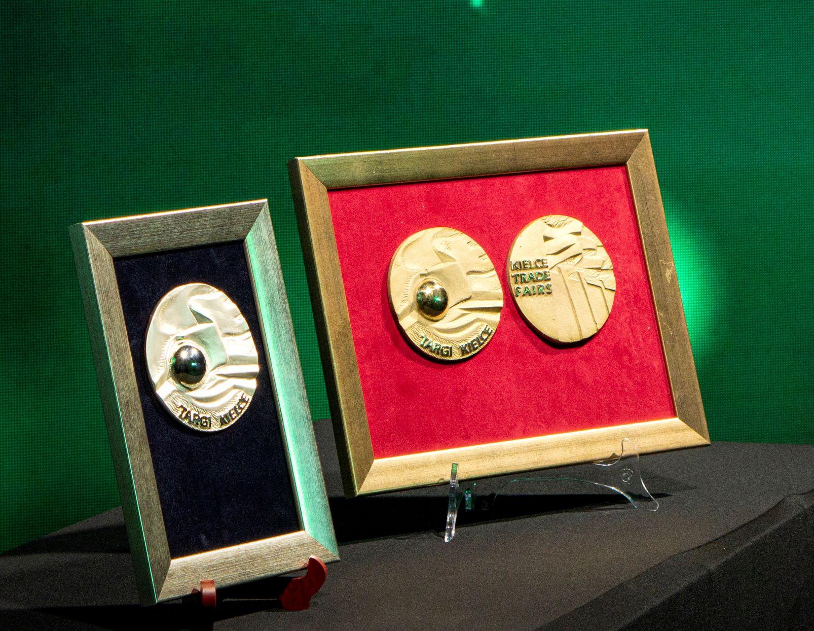 Nagrody Ekotech on-line - medale mały rozmiar.jpg